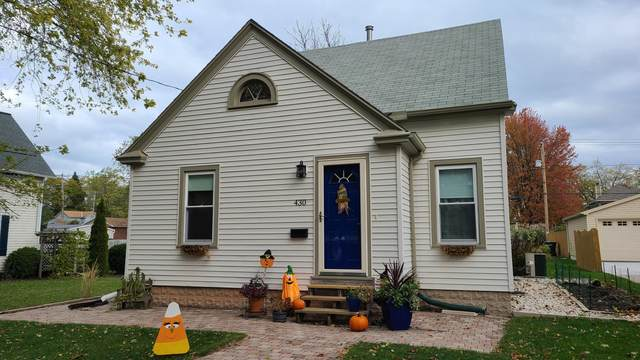430 N Montgomery St, Port Washington, WI 53074 (#1717113) :: RE/MAX Service First Service First Pros
