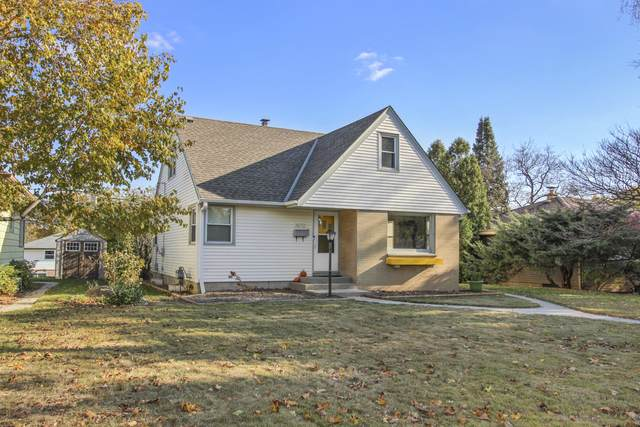 2672 S 63rd St, Milwaukee, WI 53219 (#1717115) :: Tom Didier Real Estate Team