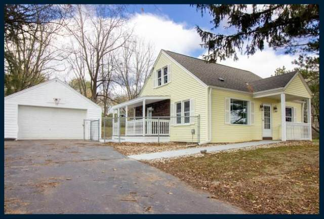 W267S4115 Saylesville Rd, Waukesha, WI 53189 (#1717120) :: Tom Didier Real Estate Team