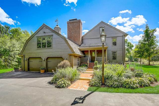 9704 N Old Barn Rd, Mequon, WI 53092 (#1717161) :: Tom Didier Real Estate Team