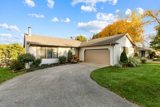 295 Ridge Rd, Lake Geneva, WI 53147 (#1717168) :: RE/MAX Service First