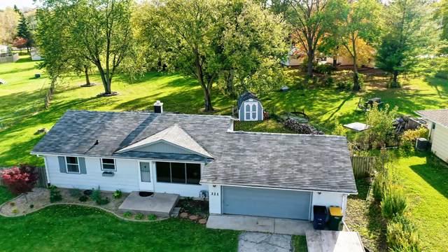 321 E Estates Pl, Oak Creek, WI 53154 (#1717223) :: OneTrust Real Estate
