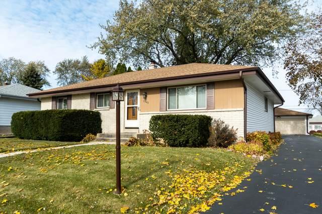 2440 W Sycamore Ave, Oak Creek, WI 53154 (#1717304) :: Tom Didier Real Estate Team