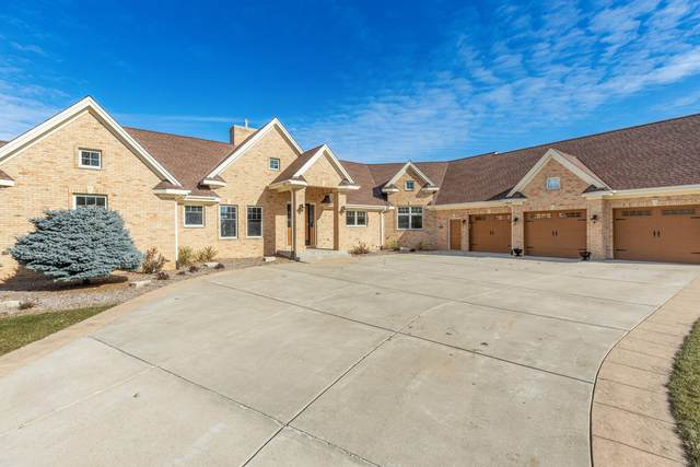 218 Augusta Ct, North Prairie, WI 53153 (#1717453) :: Tom Didier Real Estate Team