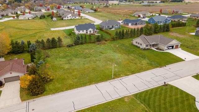 LOT 1 Oriole Ln, Howards Grove, WI 53083 (#1717547) :: RE/MAX Service First