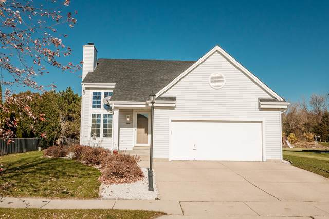 2006 Springbrook N, Waukesha, WI 53186 (#1718005) :: RE/MAX Service First