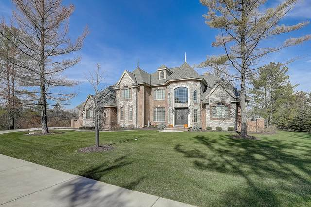 10263 N Wildwood Ct, Mequon, WI 53092 (#1718030) :: RE/MAX Service First