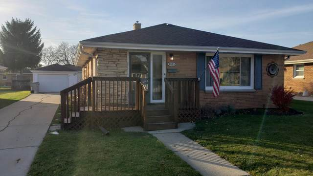 3231 S 70th St, Milwaukee, WI 53219 (#1718265) :: RE/MAX Service First