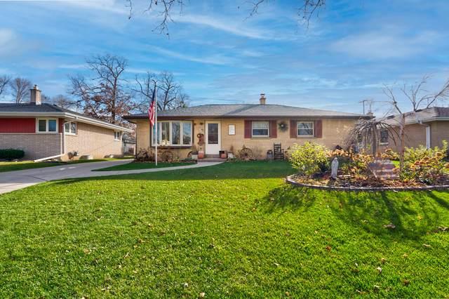 719 W Abbott Ave, Milwaukee, WI 53221 (#1718345) :: Tom Didier Real Estate Team
