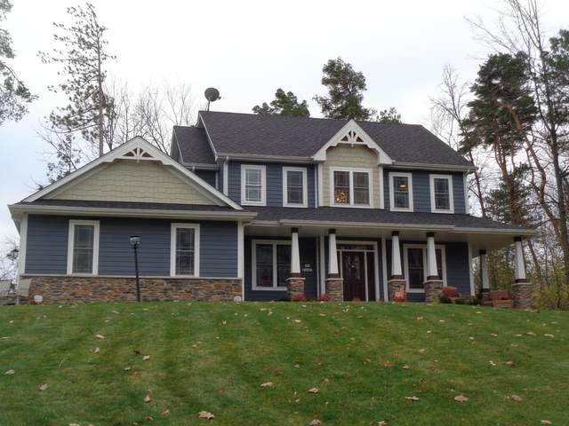 N84W16077 Menomonee Ave, Menomonee Falls, WI 53051 (#1718385) :: Tom Didier Real Estate Team