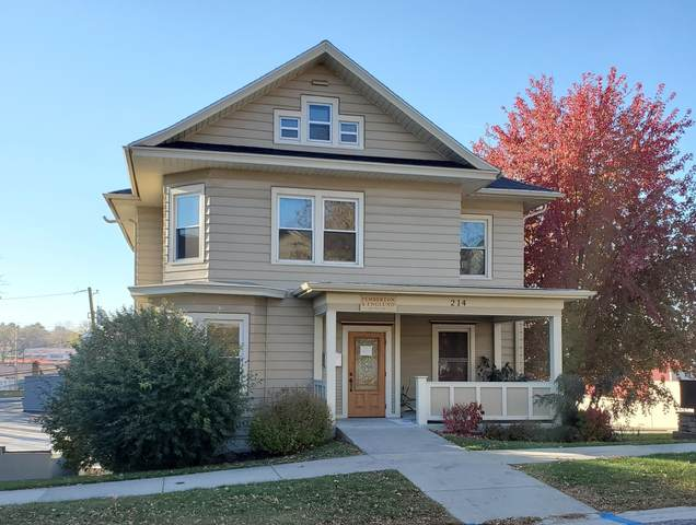 214 1st St, Baraboo, WI 53913 (#1718439) :: RE/MAX Service First