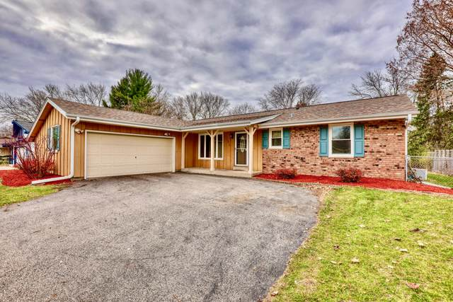 1816 Chapman Dr, Waukesha, WI 53189 (#1718917) :: RE/MAX Service First