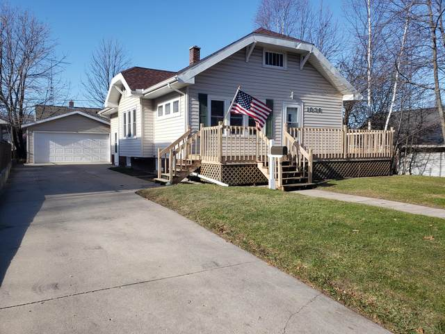 1036 N 15th St, Manitowoc, WI 54220 (#1719414) :: OneTrust Real Estate
