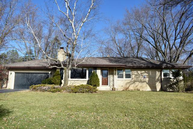 18350 Beverly Hills Dr, Brookfield, WI 53045 (#1719513) :: Keller Williams Realty - Milwaukee Southwest