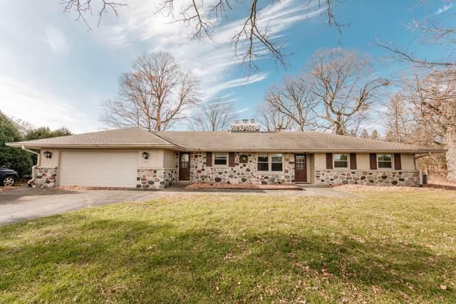 3825 Bradee Rd, Brookfield, WI 53005 (#1719669) :: Keller Williams Realty - Milwaukee Southwest