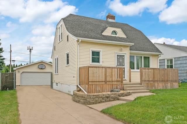 5810 56 Th Ave, Kenosha, WI 53144 (#1720002) :: Keller Williams Realty - Milwaukee Southwest
