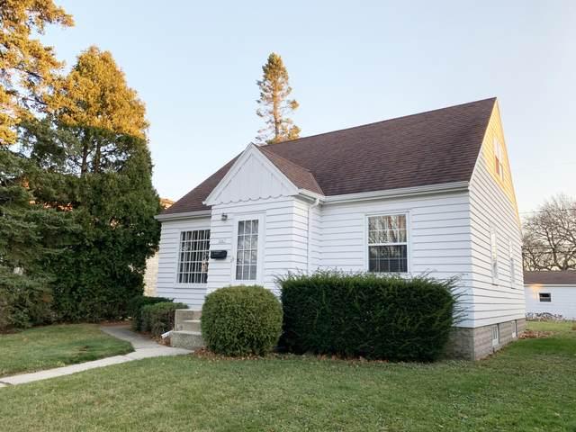 3867 E Edgerton Ave, Cudahy, WI 53110 (#1720016) :: Tom Didier Real Estate Team