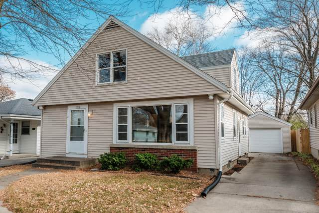 2526 N 115th St, Wauwatosa, WI 53226 (#1720181) :: OneTrust Real Estate