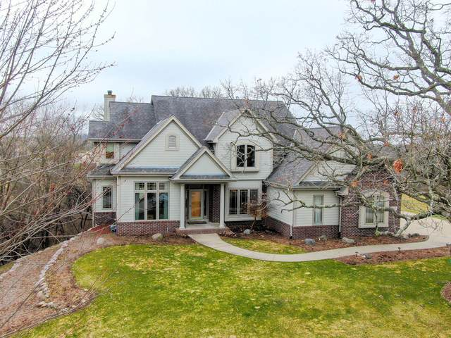 737 River Reserve Dr, Hartland, WI 53029 (#1720320) :: RE/MAX Service First