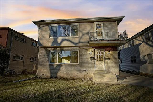 2416-2418 W Bolivar Ave, Milwaukee, WI 53221 (#1720381) :: RE/MAX Service First