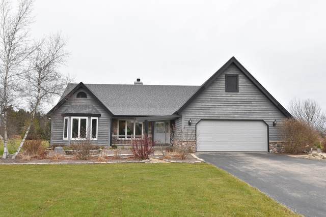 4488 Lilac Ln, Port Washington, WI 53074 (#1720394) :: OneTrust Real Estate
