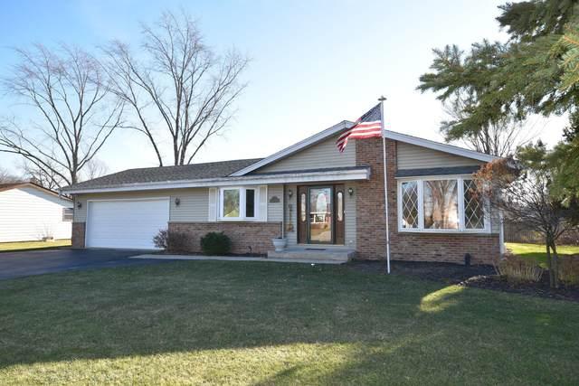 N98W15893 Shagbark Rd, Germantown, WI 53022 (#1720465) :: OneTrust Real Estate