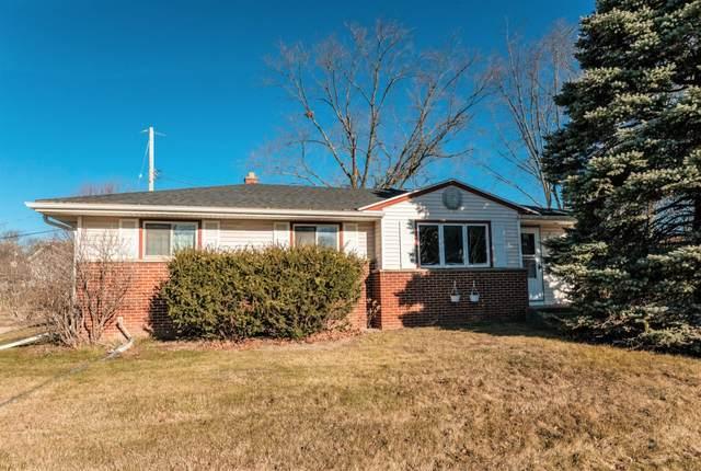 N94W16538 Cumberland Dr, Menomonee Falls, WI 53051 (#1720496) :: RE/MAX Service First