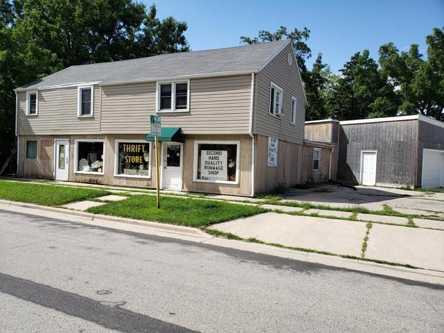 212 S Eighth St, Delavan, WI 53115 (#1720589) :: RE/MAX Service First