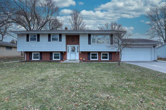 2033 Laura Ln, Waukesha, WI 53186 (#1720781) :: OneTrust Real Estate