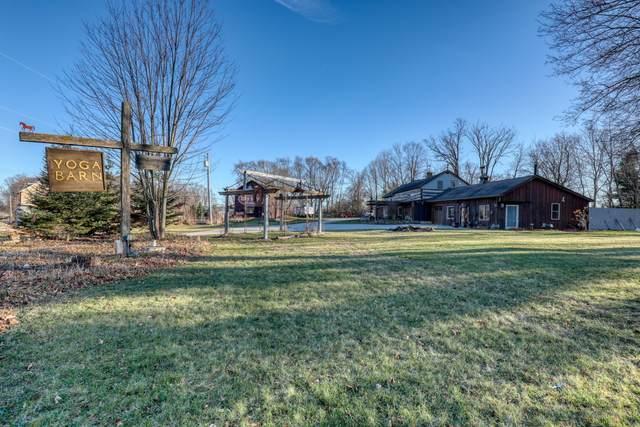 N132W17303 Rockfield Rd, Germantown, WI 53022 (#1720900) :: Tom Didier Real Estate Team