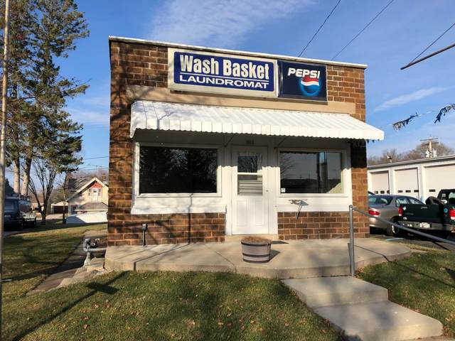 504 Madison Ave, Sullivan, WI 53178 (#1721548) :: RE/MAX Service First