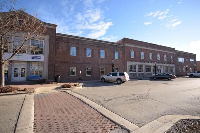 215 N Main St, West Bend, WI 53095 (#1721665) :: Tom Didier Real Estate Team