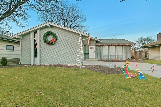 6010 68th St, Kenosha, WI 53142 (#1721688) :: RE/MAX Service First
