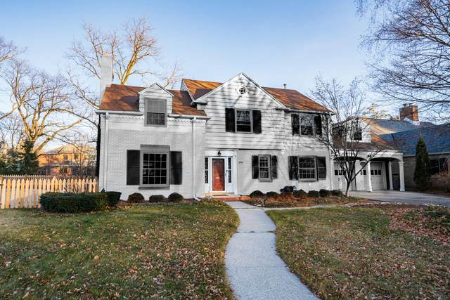 4780 N Oakland Ave, Whitefish Bay, WI 53211 (#1721776) :: Tom Didier Real Estate Team