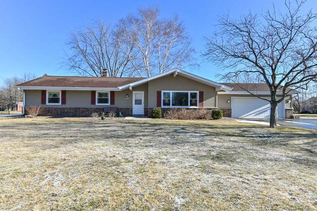 12432 N Emily Ln, Mequon, WI 53092 (#1721805) :: RE/MAX Service First