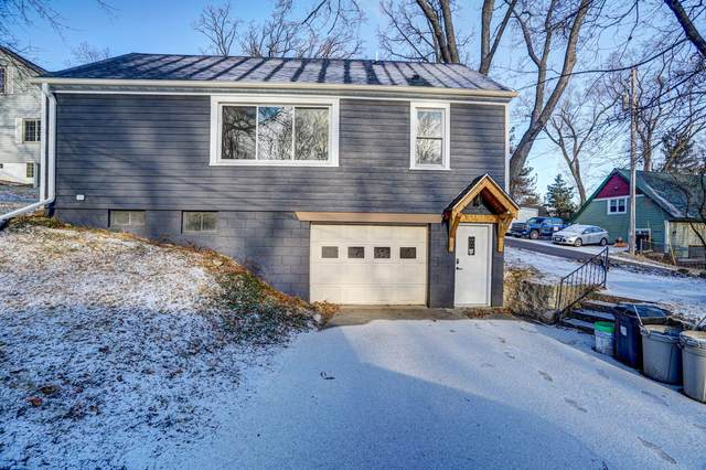30422 Beach View Ln, Waterford, WI 53185 (#1722404) :: RE/MAX Service First