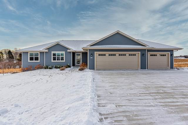 2613 Creekview Ct, Sheboygan, WI 53081 (#1722440) :: Tom Didier Real Estate Team