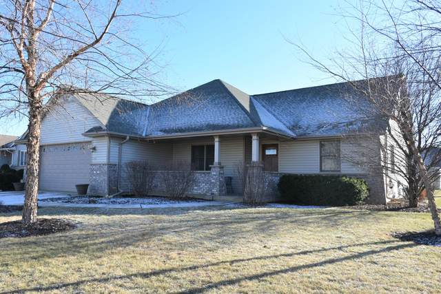 855 Meadowgate Dr, Waterford, WI 53185 (#1722460) :: RE/MAX Service First