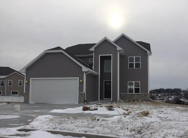 727 Imperial Ct, Hartford, WI 53027 (#1722687) :: RE/MAX Service First