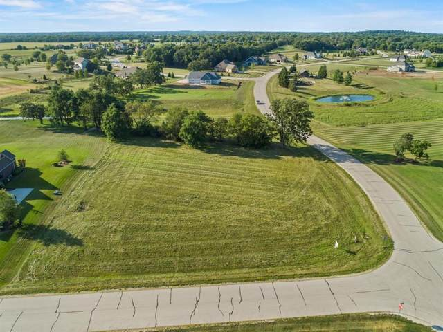 S87W32940 Campfire Ln, Mukwonago, WI 53149 (#1722697) :: Tom Didier Real Estate Team