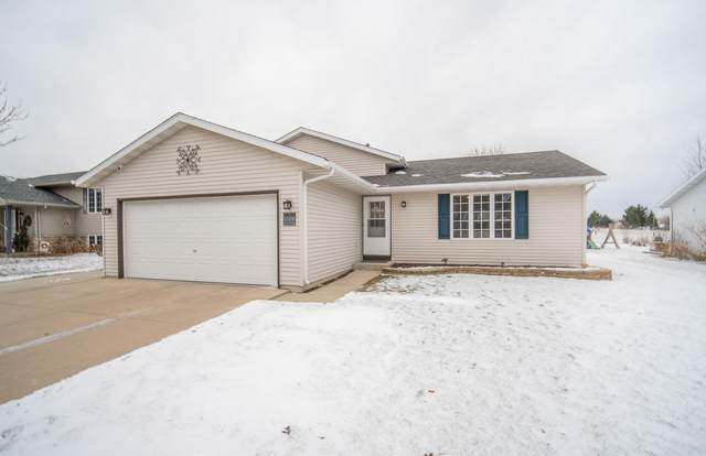 1560 Foxtail Dr, Hartford, WI 53027 (#1722844) :: OneTrust Real Estate