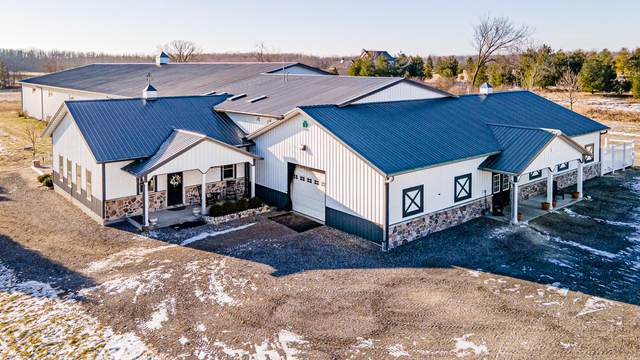 8349 W Pioneer Rd, Mequon, WI 53097 (#1722872) :: Tom Didier Real Estate Team