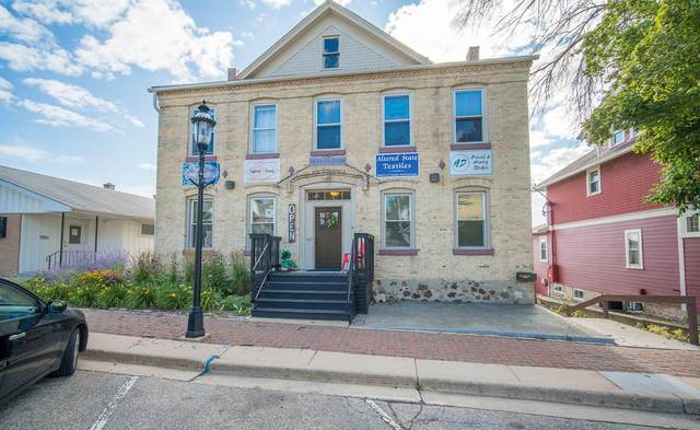 139 S 6th Ave, West Bend, WI 53095 (#1722877) :: Tom Didier Real Estate Team