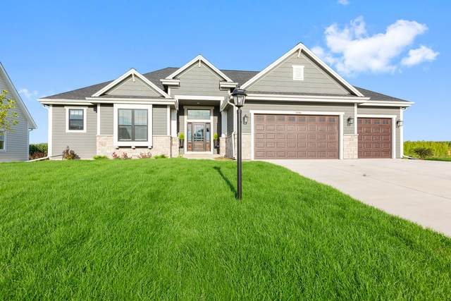 10163 S Woodside Ct, Franklin, WI 53132 (#1722879) :: RE/MAX Service First