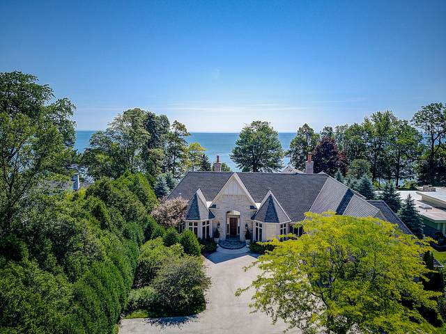 10058 N Sheridan Dr, Mequon, WI 53092 (#1722937) :: RE/MAX Service First