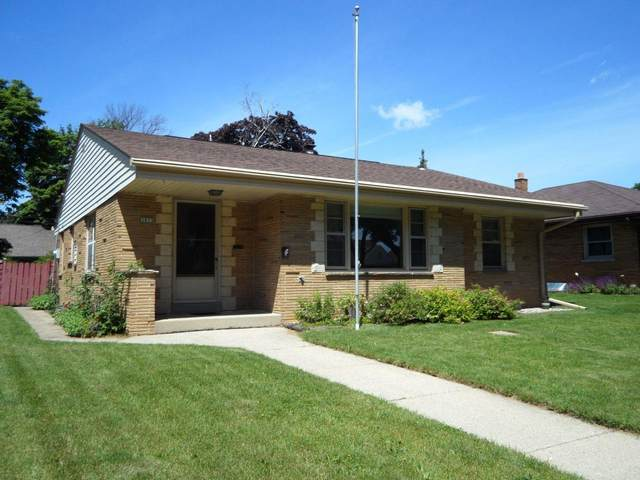 3933 N 80th St, Milwaukee, WI 53222 (#1722966) :: Tom Didier Real Estate Team