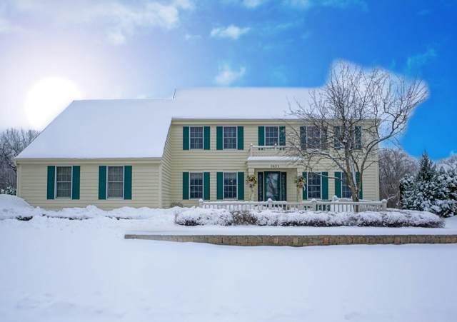 1621 Legend Hill Ln, Waukesha, WI 53189 (#1722981) :: OneTrust Real Estate