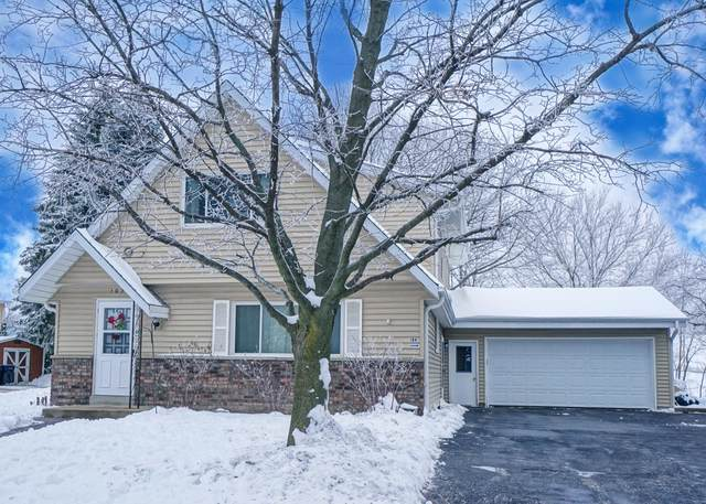 102 Kilps Ct E #104, Waukesha, WI 53188 (#1723022) :: Tom Didier Real Estate Team