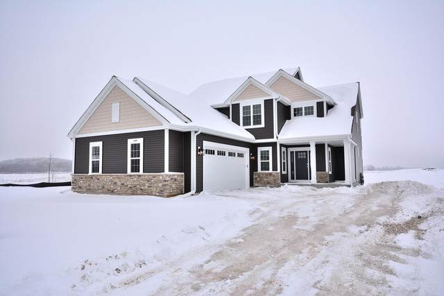 1300 Foxwood Pass, Oconomowoc, WI 53066 (#1723033) :: Tom Didier Real Estate Team
