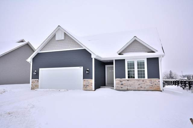 1501 Rosewood Pass, Oconomowoc, WI 53066 (#1723037) :: Tom Didier Real Estate Team